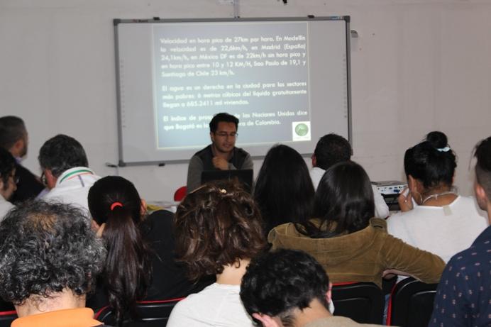 """III Seminario Internacional """"Procesos Urbanos Informales"""", Gestión Social de la Ciudad y el Territorio"""
